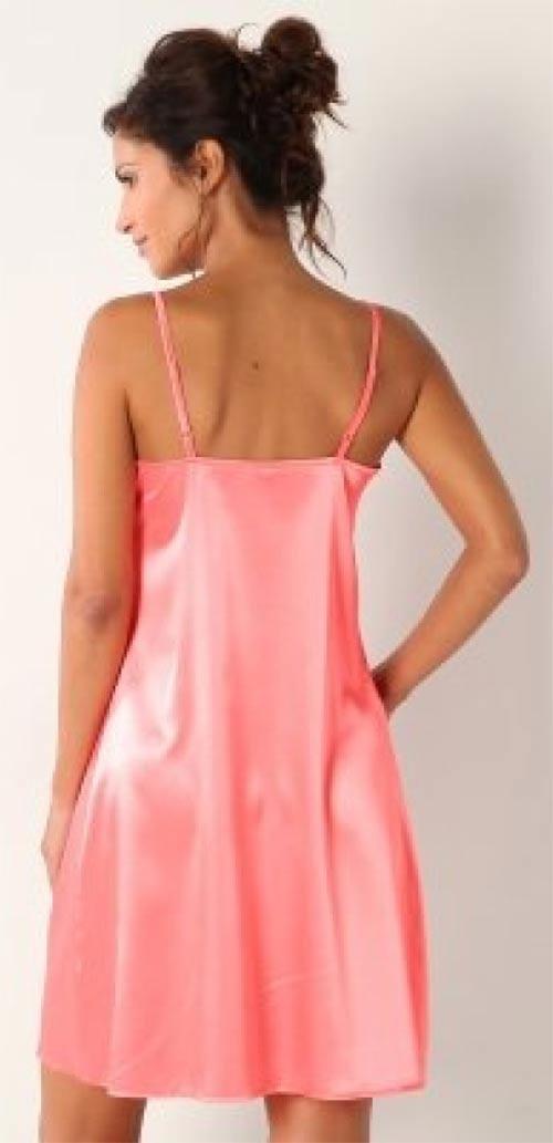 Růžová noční košilka