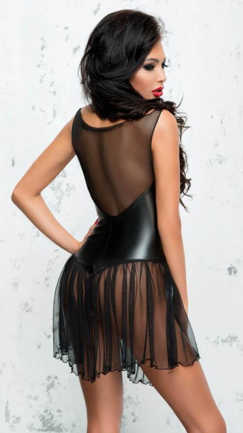 Šaty s řasenou průsvitnou sukní