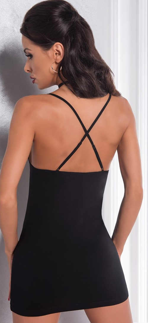 Černá noční košilka s překříženými ramínky na zádech