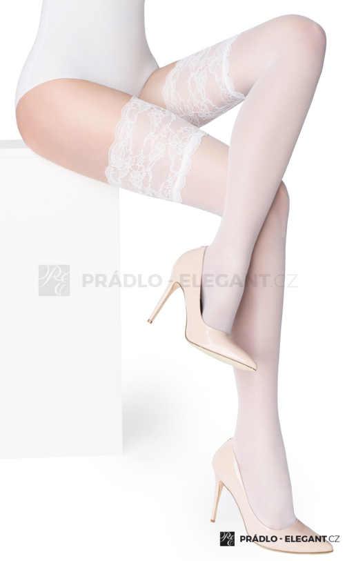 Bílé samodržící punčochy s širším krajkovým zakončením